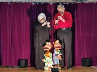 Žáci se seznámili s loutkami a marionetami